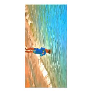 Garçon à la plage photocartes personnalisées