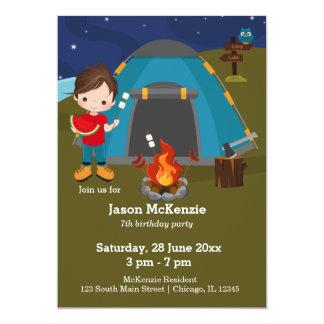Garçon d'anniversaire de camping carton d'invitation  12,7 cm x 17,78 cm