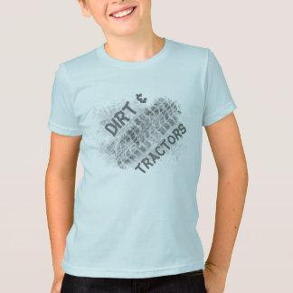 Garçon de ferme, saleté et tracteurs, T-shirt de