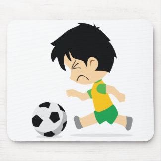 Garçon du football tapis de souris