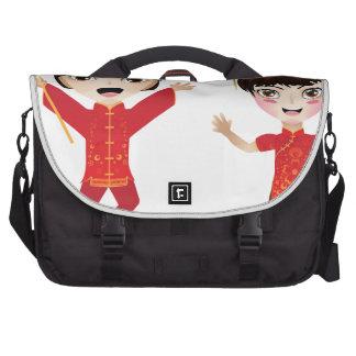 Garçon et fille chinois sacoche ordinateurs portables