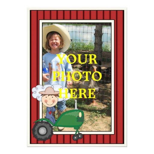 Garçon et tracteur heureux - la partie ou le baby  invitations