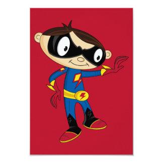 Garçon mignon de super héros carton d'invitation