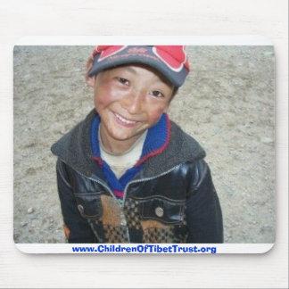 Garçon tibétain tapis de souris