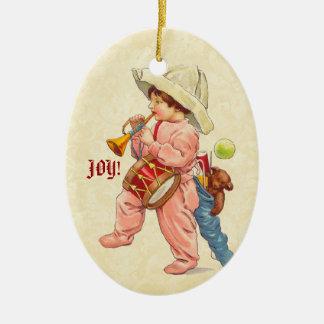 Garçon vintage de Noël marchant avec le tambour de Ornement Ovale En Céramique