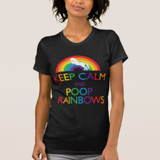 Gardez la licorne d'arcs-en-ciel de calme et de t-shirts