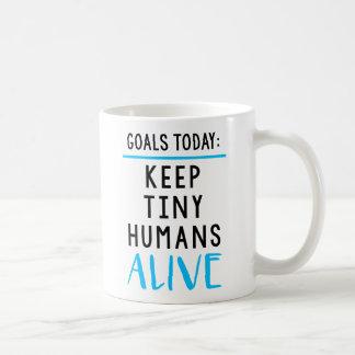 Gardez la tasse de café vivante d'humains