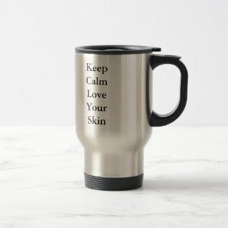 Gardez l'amour calme votre peau mug de voyage