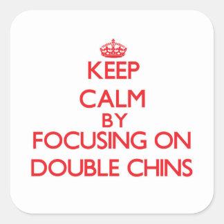 Gardez le calme en se concentrant sur de doubles autocollant carré