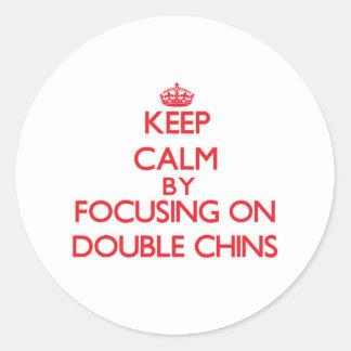 Gardez le calme en se concentrant sur de doubles adhésifs ronds
