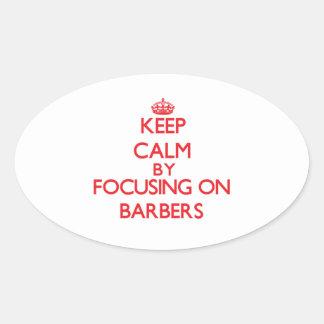 Gardez le calme en se concentrant sur des stickers ovales