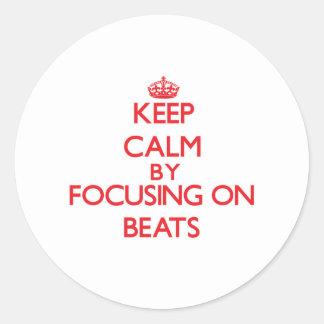 Gardez le calme en se concentrant sur des autocollants ronds