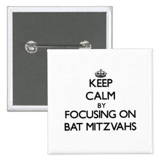 Gardez le calme en se concentrant sur des bat mitz