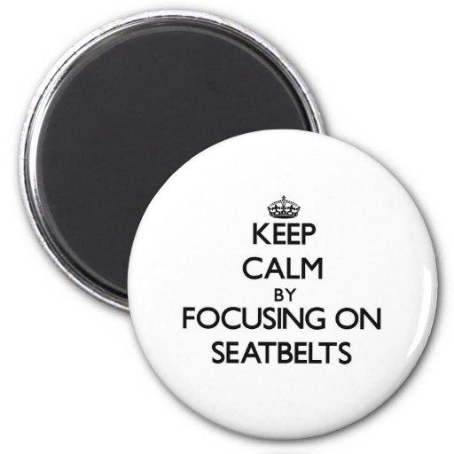 Gardez le calme en se concentrant sur des ceinture aimants