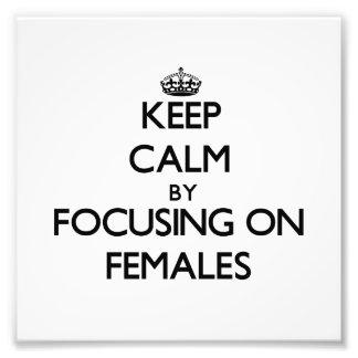 Gardez le calme en se concentrant sur des femelles photos