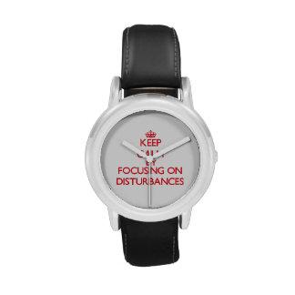 Gardez le calme en se concentrant sur des montres cadran