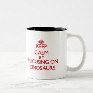Gardez le calme en se concentrant sur des tasses