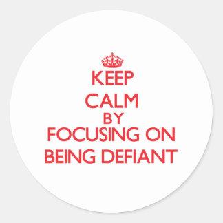 Gardez le calme en se concentrant sur être autocollants ronds