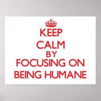 Gardez le calme en se concentrant sur être posters