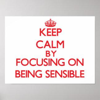 Gardez le calme en se concentrant sur être affiche