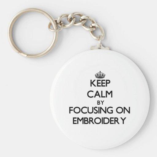 Gardez le calme en se concentrant sur la BRODERIE Porte-clefs