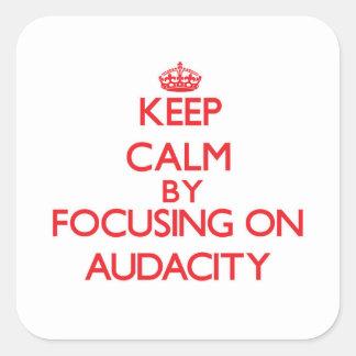 Gardez le calme en se concentrant sur l'audace adhésifs