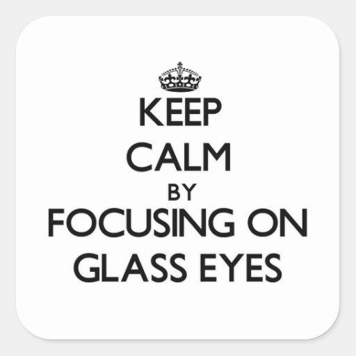 Gardez le calme en se concentrant sur les yeux en stickers carrés