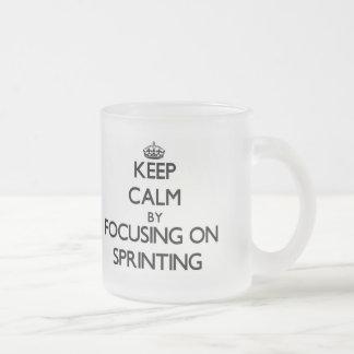 Gardez le calme en se concentrant sur sprinter mug en verre givré