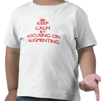 Gardez le calme en se concentrant sur t-shirts
