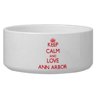 Gardez le calme et aimez Ann Arbor Écuelles Pour Chien