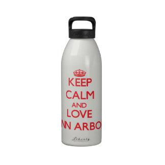Gardez le calme et aimez Ann Arbor Bouteilles D'eau Réutilisables