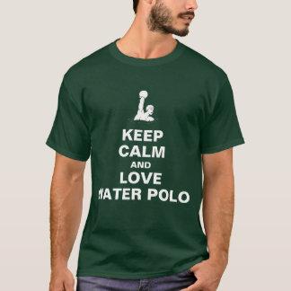 Gardez le calme et aimez le polo d'eau t-shirt
