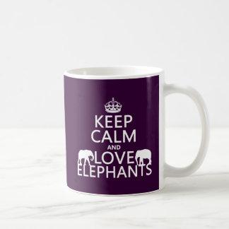 Gardez le calme et aimez les éléphants (toute mug blanc