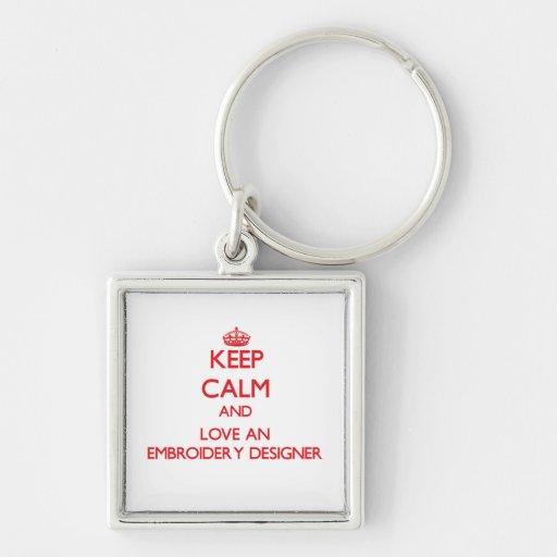 Gardez le calme et aimez un concepteur de broderie porte-clé