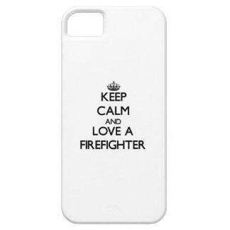 Gardez le calme et aimez un sapeur-pompier coques Case-Mate iPhone 5