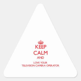 Gardez le calme et aimez votre opérateur de caméra sticker en triangle