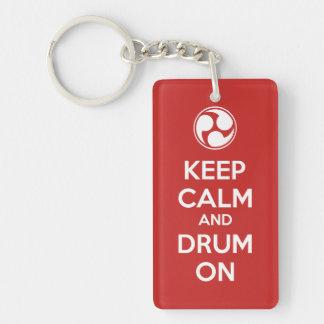 Gardez le calme et battez du tambour dessus porte-clé rectangulaire en acrylique double face