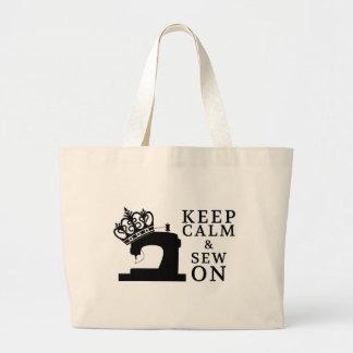 Gardez le calme et cousez sur des métiers/logo de sacs de toile