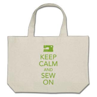 Gardez le calme et cousez sur le sac fourre-tout à