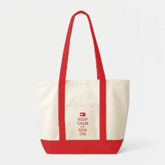 Gardez le calme et cousez sur le sac fourre-tout r