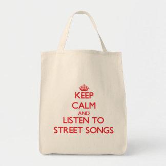 Gardez le calme et écoutez des CHANSONS de RUE