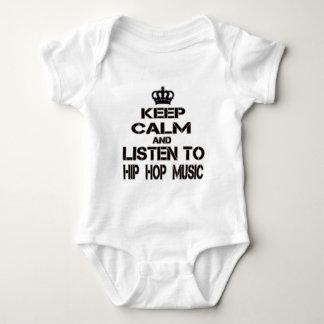 Gardez le calme et écoutez la musique de hip hop body
