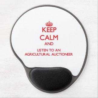Gardez le calme et écoutez un commissaire-priseur tapis de souris avec gel