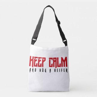Gardez le calme et étreignez un sac de génisse