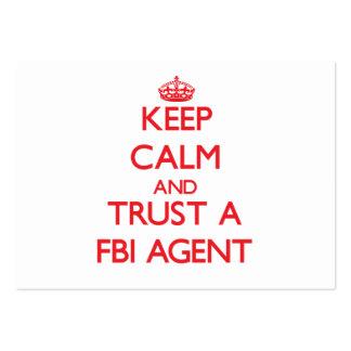 Gardez le calme et faites confiance à un agent du  carte de visite grand format