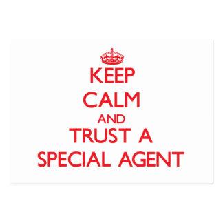 Gardez le calme et faites confiance à un agent spé carte de visite grand format