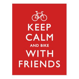 Gardez le calme et faites du vélo avec des amis carte postale