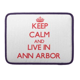 Gardez le calme et habitez à Ann Arbor Poche Pour Macbook