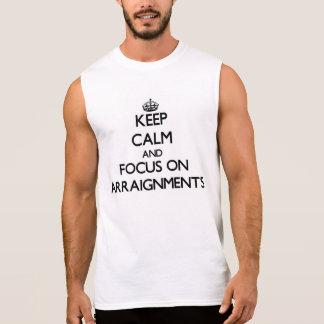 Gardez le calme et le foyer sur des lectures de tee-shirts sans manches