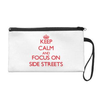 Gardez le calme et le foyer sur des petites rues dragonnes